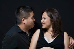 par som förväntar att älska arkivfoto