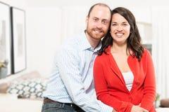 Par som har tillsammans gyckel Arkivfoto