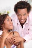Par som hemma kopplar av Royaltyfria Foton