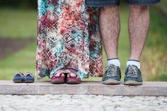 Par som jämsides plattforer Royaltyfri Foto