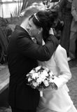 par som kramar bröllop Royaltyfri Fotografi