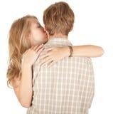 par som omfamnar älska barn Fotografering för Bildbyråer