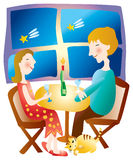 par som tillsammans äter middag Arkivfoto