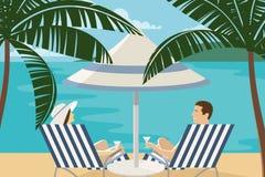 Par som tycker om tropisk semester på sjösidan Arkivbild