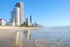 Paraíso Australia de las personas que practica surf de Gold Coast Imagen de archivo