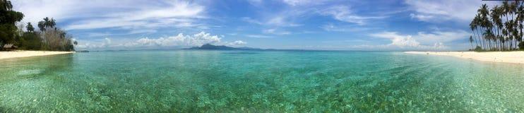 Paraíso da ilha na ilha de Maiga Foto de Stock Royalty Free