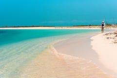 Paraíso de Playa de la playa de Sandy de la isla de Cayo largo, Cuba Copie el espacio para el texto Imagen de archivo
