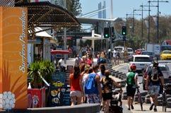 Paraíso dos surfistas da avenida de Cavill - Queensland Austrália Fotos de Stock