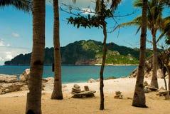 Paraíso en la isla tropical remota Imágenes de archivo libres de regalías