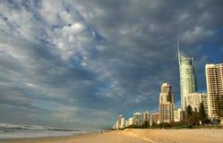 Paraíso Gold Coast Australia de las personas que practica surf Fotografía de archivo