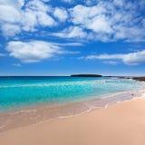 Paraíso mediterrâneo da praia de Menorca Platja de Binigaus Imagens de Stock Royalty Free