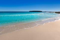 Paraíso mediterrâneo da praia de Menorca Platja de Binigaus Fotos de Stock Royalty Free