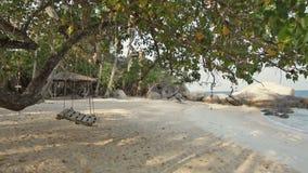 Paraíso tropical asiático da praia em Tailândia video estoque
