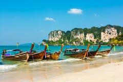 Paraíso tropical da ilha na praia de Railey Imagens de Stock
