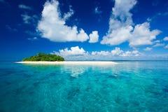 Paraíso tropical de las vacaciones de la isla Imágenes de archivo libres de regalías