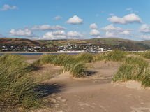 Para Aberdovey das dunas em Ynyslas Fotos de Stock