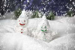 Para av lyckliga snowmen Arkivbilder