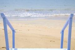 Para baixo à praia Imagens de Stock