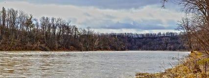 Para baixo rio Fotografia de Stock