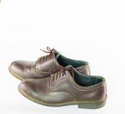 Para bruna läderskor som isoleras på vit bakgrund, klassiker Royaltyfria Foton