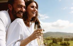Para cieszy się na wakacje zdjęcia royalty free