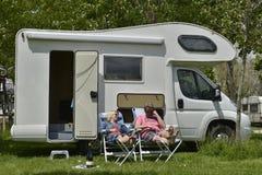 Para cieszy się wakacje Zdjęcia Royalty Free