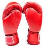 Para czerwone rzemienne bokserskie rękawiczki odizolowywać zdjęcie stock