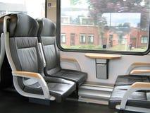 Para dentro de um trem moderno imagem de stock