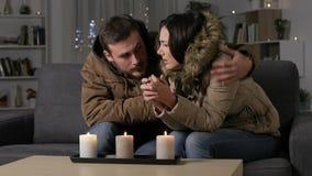Para dostaje zimno cierpi awarię enrgetyczną w domu zbiory