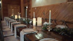 Para el banquete de la boda Tabla en un sistema servido restaurante almacen de metraje de vídeo