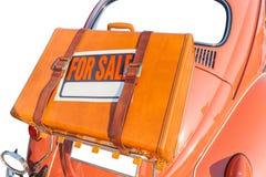 Para el palillo de la muestra de la venta en bolso de cuero que viaja del marrón lleve detrás Imagen de archivo libre de regalías