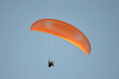 A Para-glider In A Hazy Sky  Royalty Free Stock Photography
