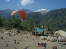 Para Gliding in Manali-III Royalty Free Stock Photos