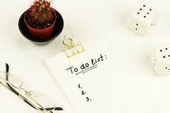 `` para hacer el ` de la lista se escribe en la libreta Fotos de archivo libres de regalías