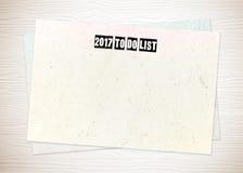 2017 para hacer palabras de la lista en el documento en blanco sobre el fondo de madera blanco Foto de archivo libre de regalías