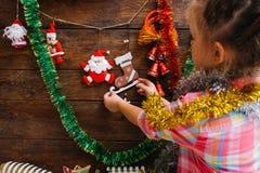 Para la Navidad que espera Decoración de la casa Fotos de archivo
