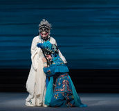 """Para llorar la desintegración del acto del disconsolately-The séptimo del  blanco de Opera""""Madame Snake†de las familias-Kunq Fotos de archivo"""