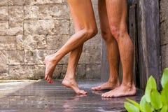 Para ma prysznic wpólnie zdjęcie stock