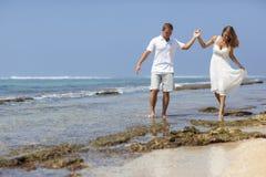 Para na plaży zdjęcia royalty free