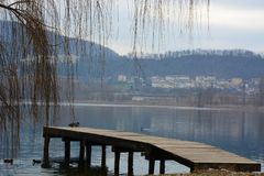Para o lago congelado imagens de stock