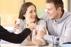 Para otrzymywa nowych domowych klucze Obrazy Stock