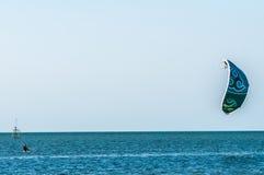 Серфер Para в заливе звука pamlico Стоковое фото RF