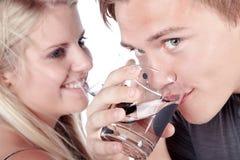 Para pije szkło woda Obraz Stock