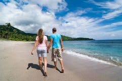 Para przy plażą zdjęcie royalty free
