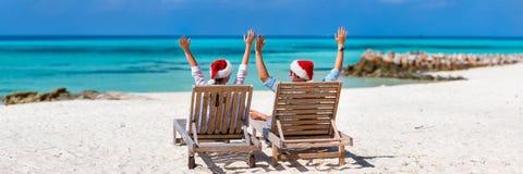 Para przy tropikalną plażą Fotografia Stock