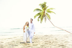 Para romansu plaży miłości małżeństwa pojęcie Fotografia Royalty Free