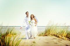 Para romansu plaży miłości małżeństwa pojęcie Obrazy Royalty Free
