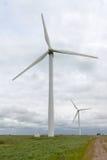Para silniki wiatrowi i złowrogi Yorkshire niebo Zdjęcia Royalty Free
