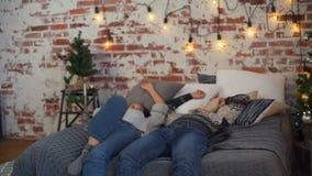 Para Spada na łóżku zbiory