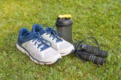 Para sportów buty i sprawności fizycznych akcesoria Zdjęcia Stock